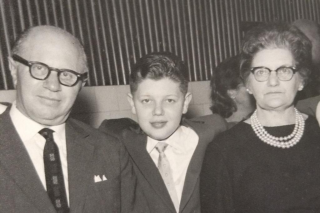 Ivo com seus pais