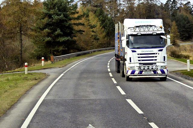 confira mais sobre como calcular corretamente o frete de caminhão