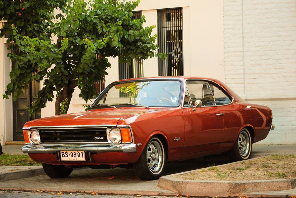 alguns carros antigos de colecionadores podem valer muito mais do que o preço pago quando eram zero