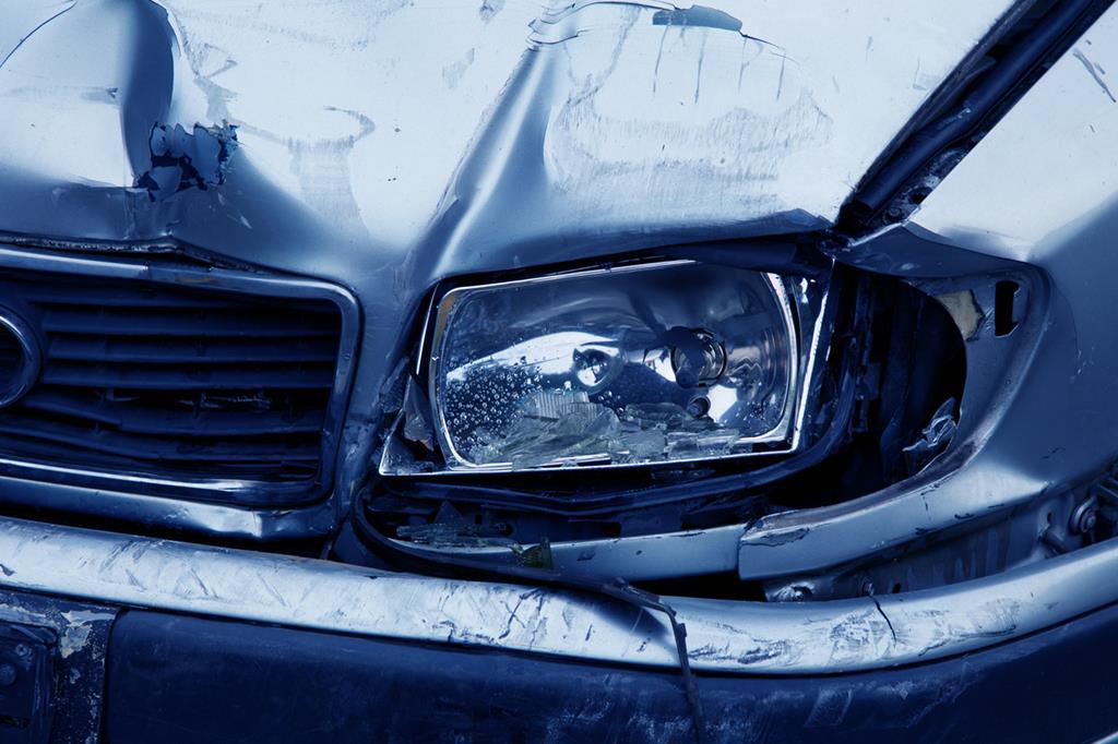 a perda total acontece quando o valor de reparo do automóvel segurado é igual ou superior a 75% do valor do veículo estipuladoem contrato