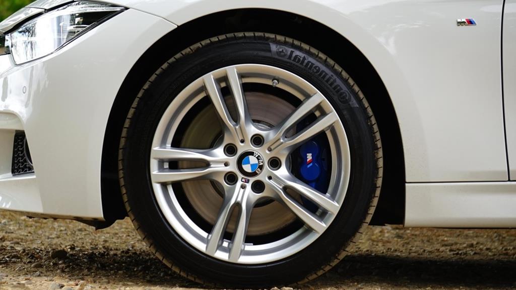 trocar de pneus quando não há necessidade pode lhe trazer prejuízo e desvalorizar o carro caso ele não seja original