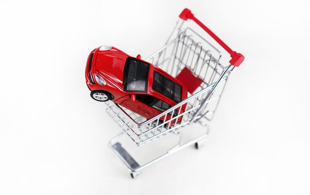 Compra de carro usado: como colocar a documentação em dia