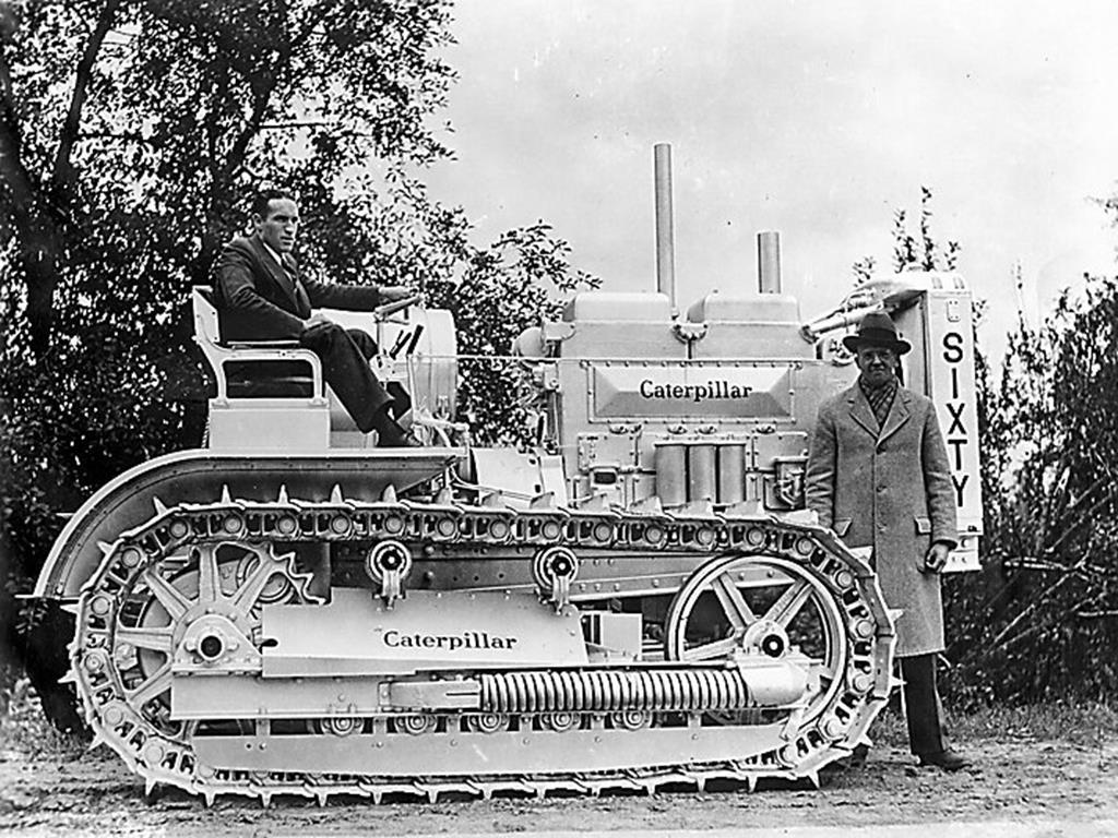 Primeiro Trator de Esteiras a Diesel