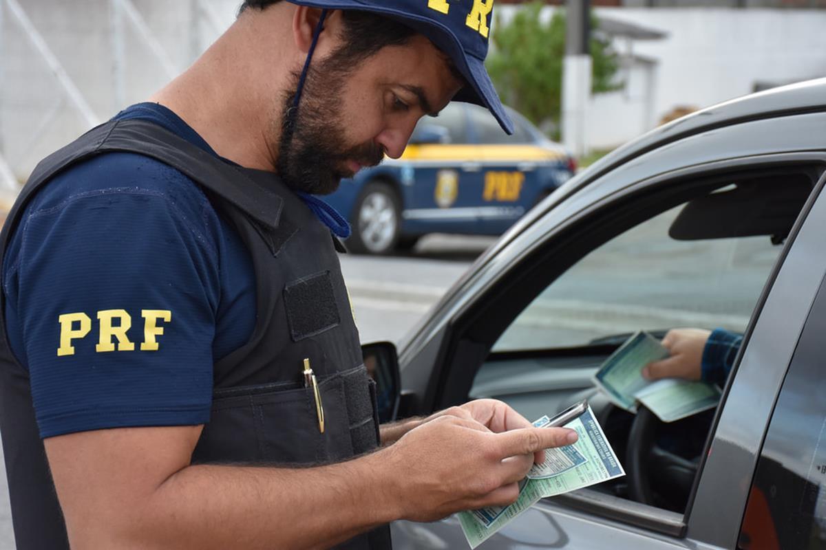 receber muitas multas pode fazer com que você exceda o número limite de pontos em sua carteira