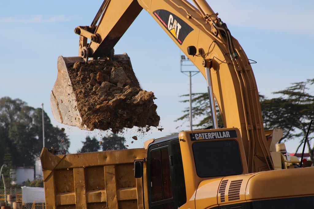 Quais as principais manutenções para máquinas de construção?