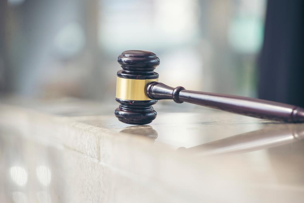 Qual a diferença entre leilão judicial e extrajudicial
