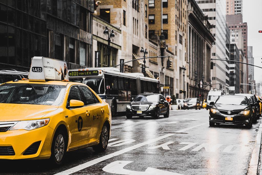 andar na cidade pode ter um impacto negativo no desgaste do motor do veículo