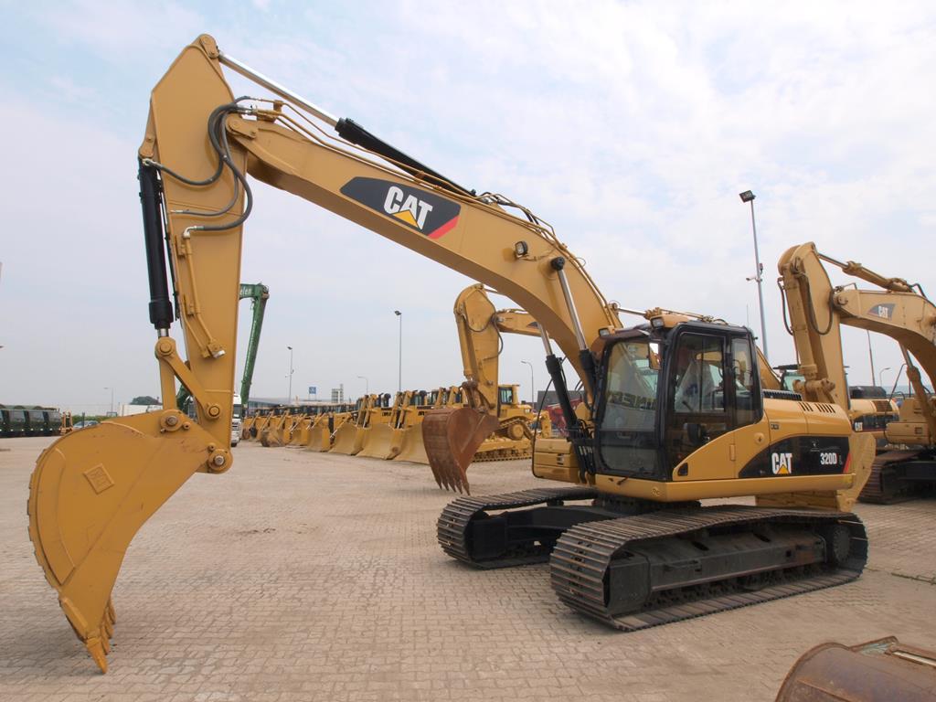 o motor modelo C7.1 ACERT da escavadeira Caterpillar 320D consegue funciona com biodiesel até B20