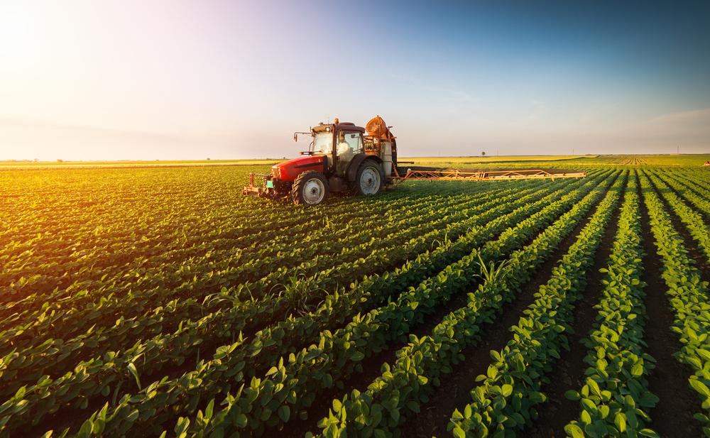 Venda de tratores agrícolas avança 120% no primeiro trimestre