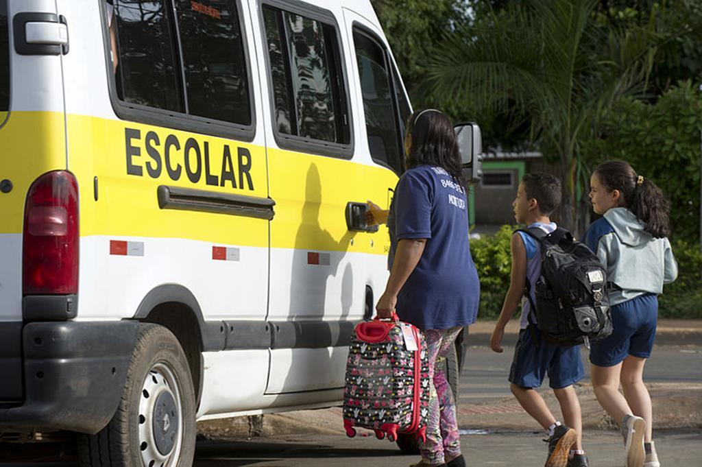 um dos usos profissionais mais famosos de vans é o escolar
