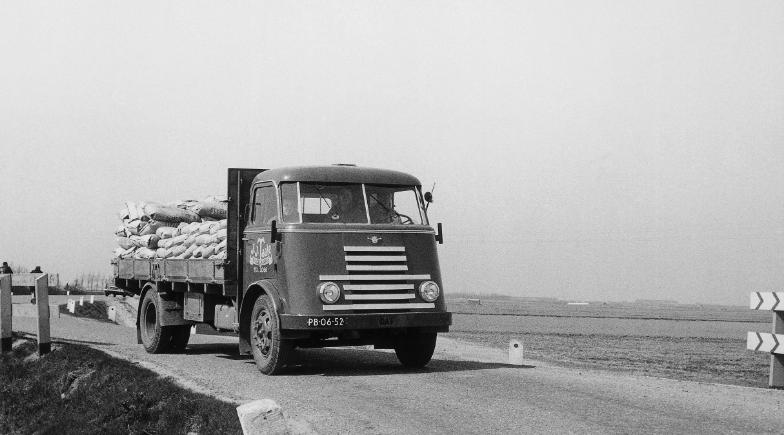 quem fabrica os caminhões daf? primeiro caminhão daf