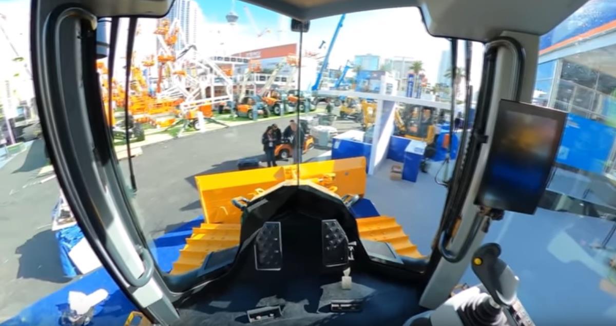 Visão de dentro da cabine do Trator de Esteiras TD-16N