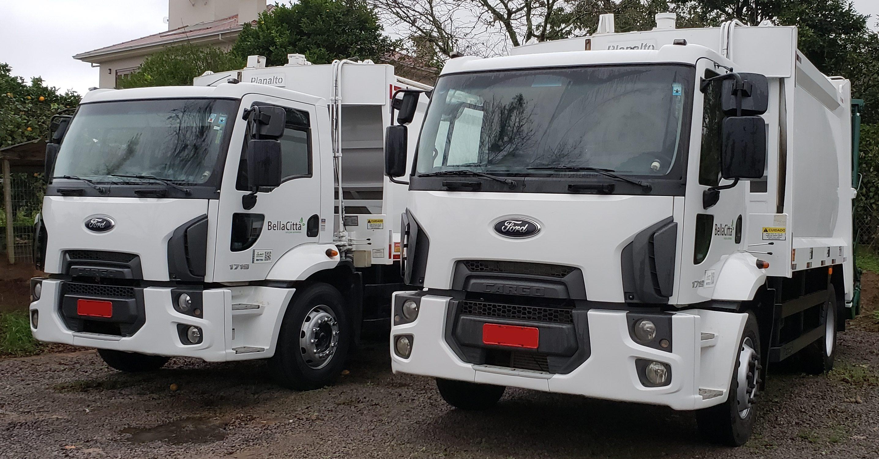 frota de caminhões compactadores