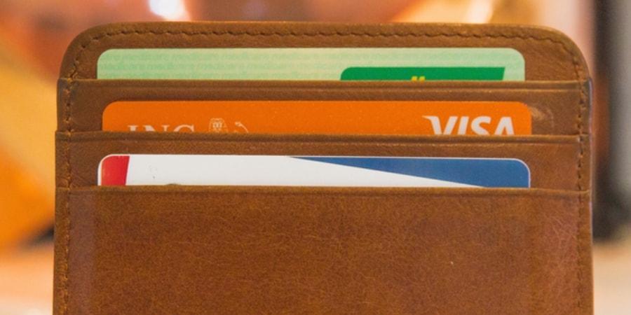 carteira com vários cartões
