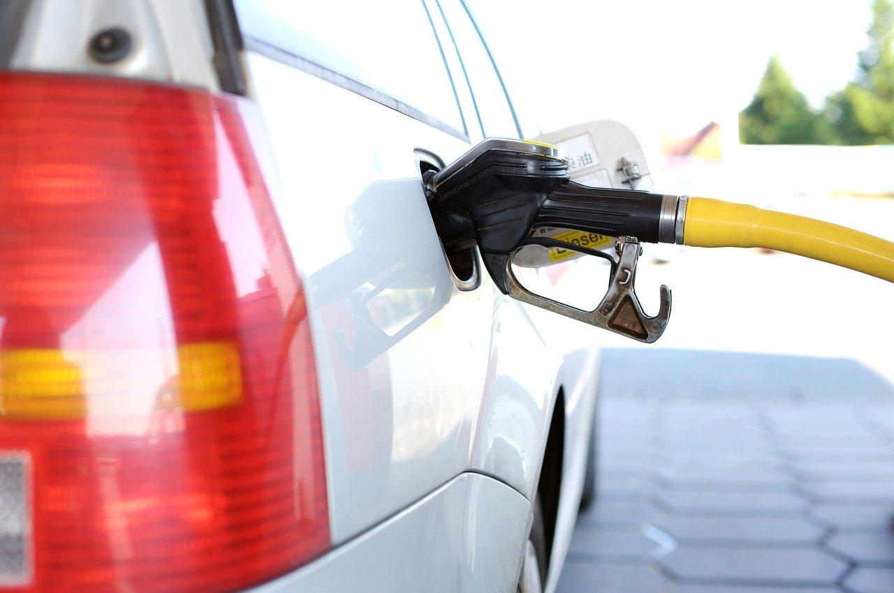 Comprar carro: Leve em conta, os gastos com gasolina e etanol
